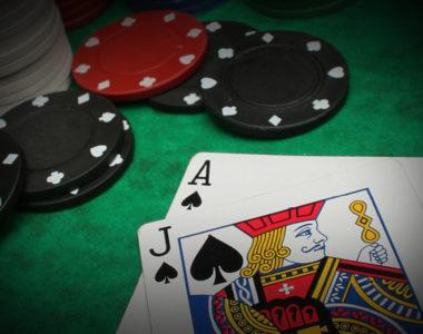 Comment améliorer son jeu au poker